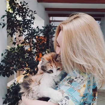 thumbnail petsitter București or pet nanny for dogs cats